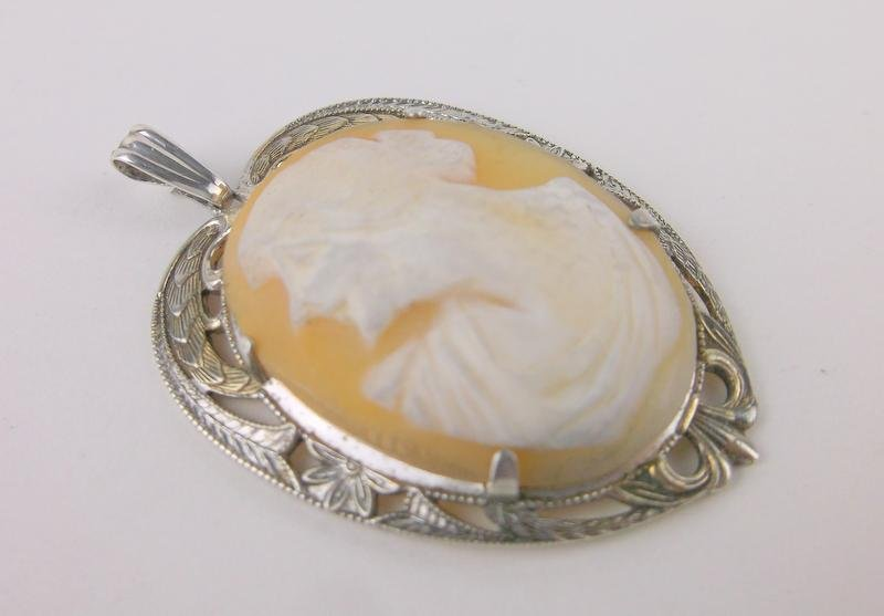 Gorgeous Antique Sterling Silver Shell Cameo Pendant