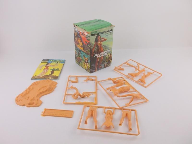 Rare 1971 Aurora Cro-Magnon Woman Model Kit Complete