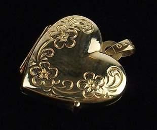 New 14kt Gold Heart Locket Pendant Beautiful