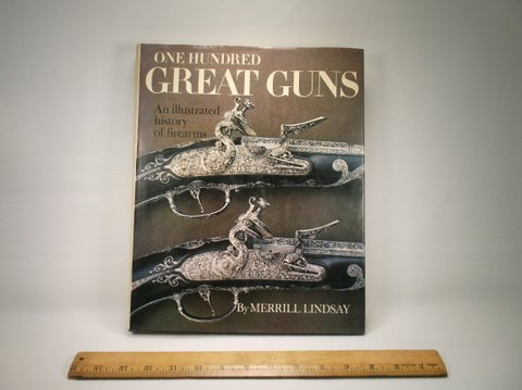 1970s One Hundred Great Guns Book W/DJ