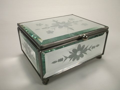 Nice Etched Glass Vanity Box