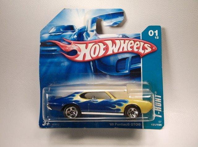 Hot Wheels Treasure Hunt 69 Pontiac GTO MOC
