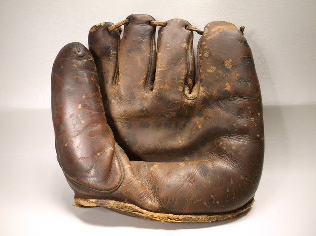 Antique Rawlings Baseball Glove 1930s Era