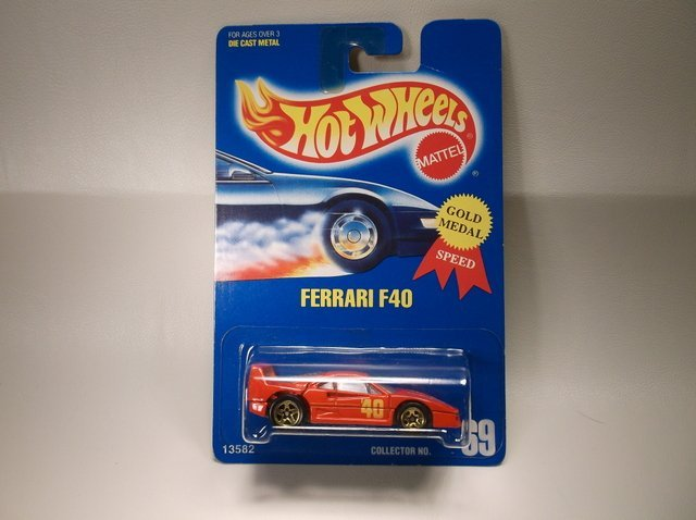 Vintage 1991 Hot Wheels Ferrari 13582 MOC