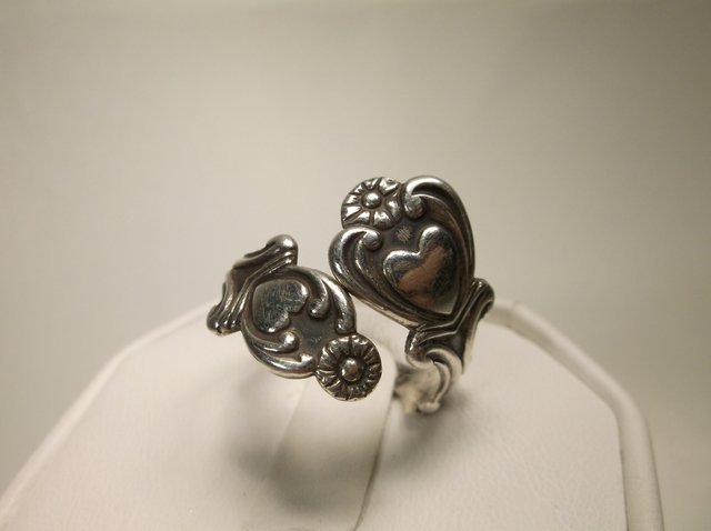Nice Vintage Avon Sterling Silver Spoon Ring 9