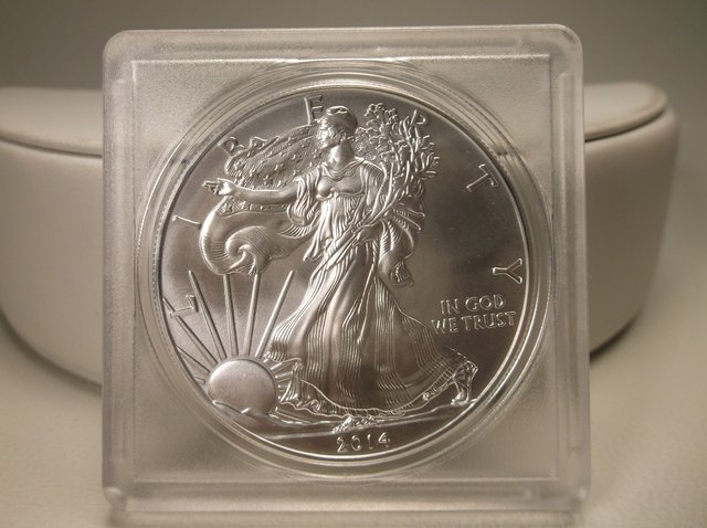 Uncirc 2014 US 1oz Fine Silver Flying Eagle Coin