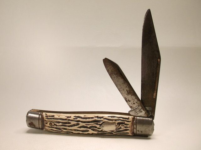 Old Colonial Pocket Knife