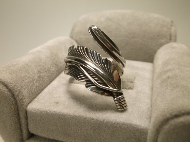 Gorgeous Sterling Silver Navajo H Mace Feather Ring 7