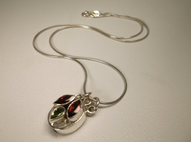 Gorgeous Sterling Silver Garnet Peridot Necklace