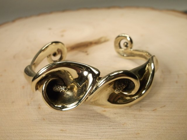 Rare Gavan Riley 14kt Gold Tulip Cuff Bracelet Gorgeous