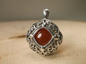 Gorgeous Sterling Silver Amber Eye Pendant