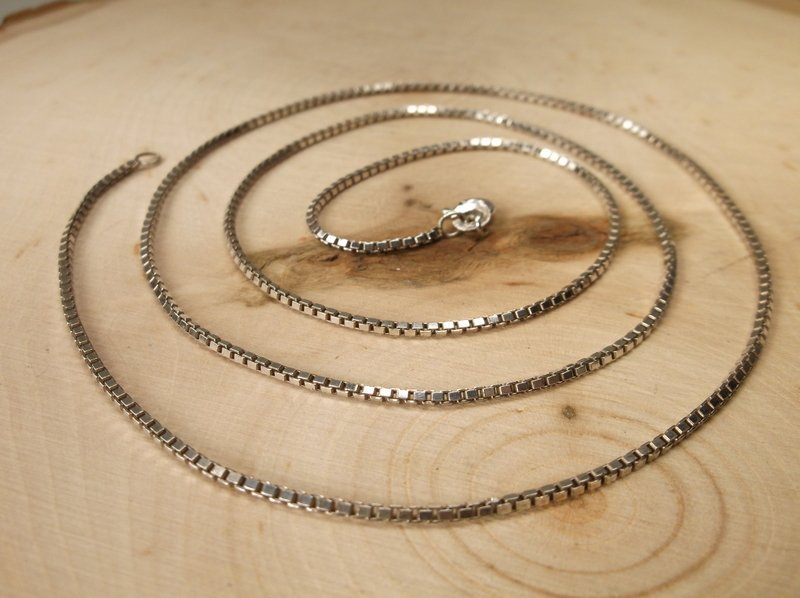 Gorgeous Sterling Silver Chain Necklace 24""