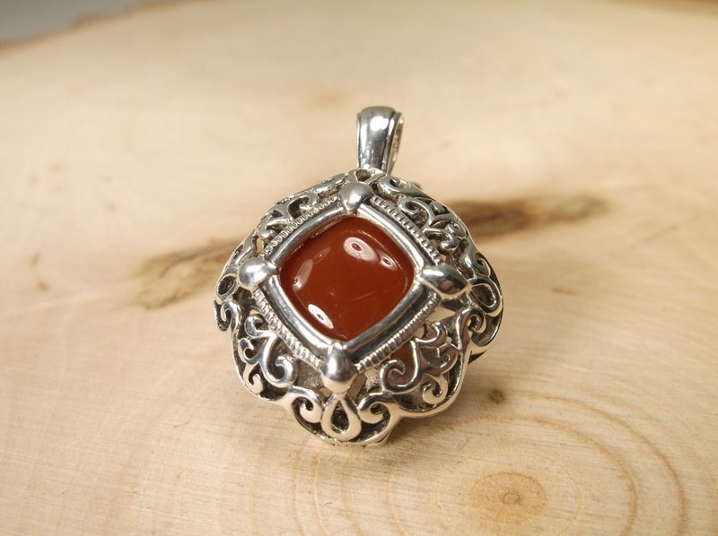 Gorgeous Heavy Sterling Silver Amber Pendant