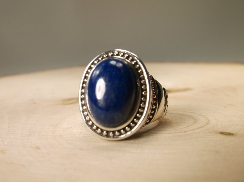 Gorgeous Sterling Silver Lapis Ring 6
