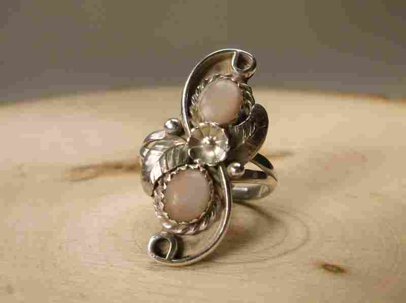 Gorgeous Navajo Sterling Silver MOP Ring 9