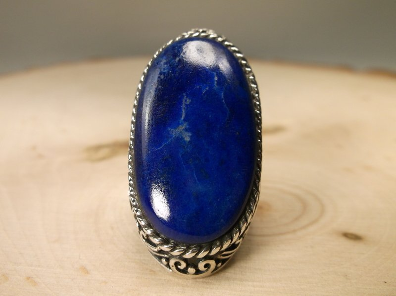 Gorgeous Huge Sterling Silver Lapis Ring 7