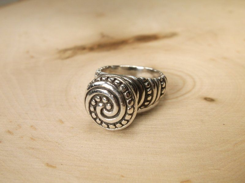 Gorgeous James Avery Sterling Tribal Ring 6