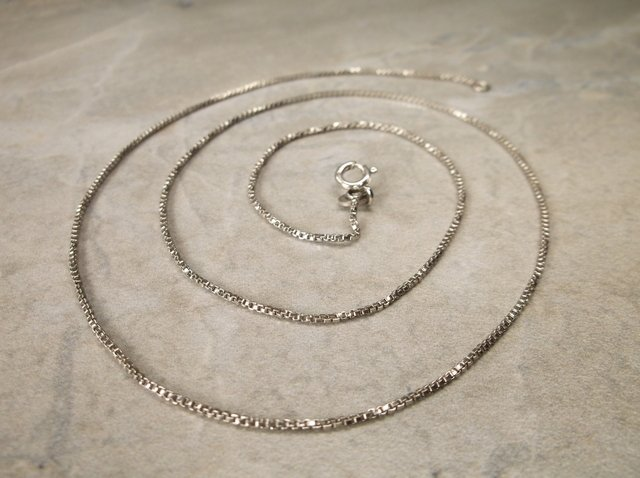Beautiful Sterling Silver Chain Necklace 18""