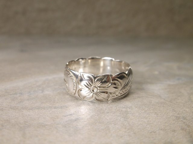Gorgeous Sterling Silver Band Ring 8 Ornate