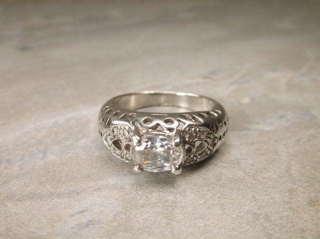 Gorgeous Sterling Silver Ring 8.5