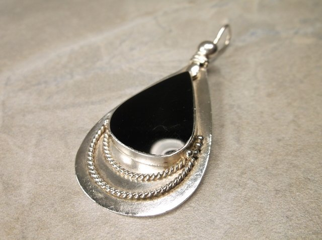Gorgeous Large Sterling Silver Onyx Pendant