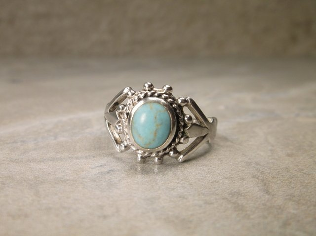 Beautiful Sterling Silver Turquoise Ring 9