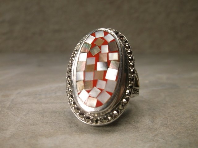 Beautiful Huge Sterling silver MOP Ring 7