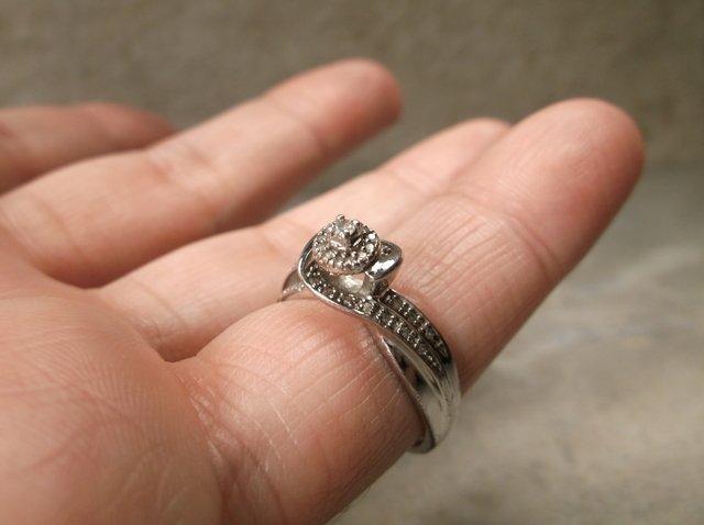 Beautiful Sterling 33 Genuine Diamond Ring 7 - 2