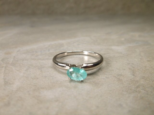 Gorgeous 10kt Gold Sterling Gen .50ct Emerald Ring 7
