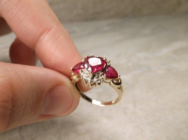 Stunning 10kt Gold Gen 2ct Ruby Ring 7 - 2