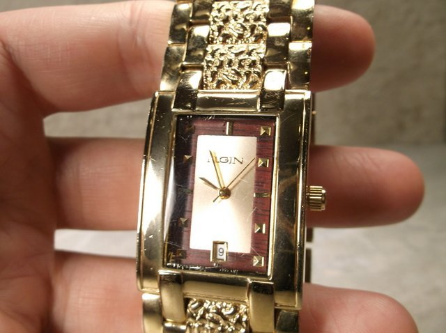 Gorgeous Elgin Mens Wristwatch Works Great - 2