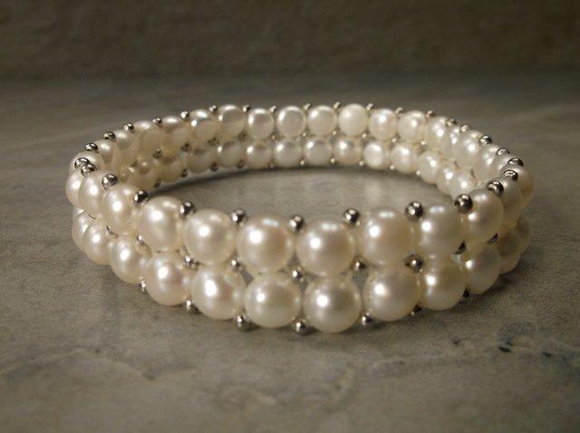 Gorgeous Sterling Gen Freshwater Pearl Bracelet
