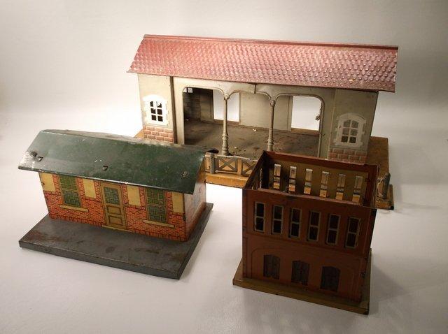 Antique Pre-War Lionel O Gauge Train Buildings