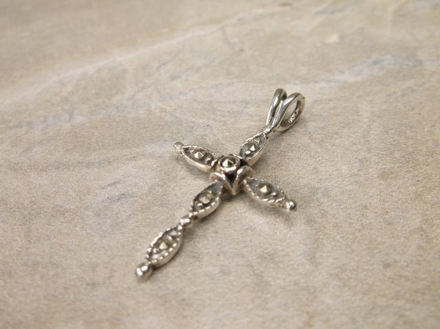 Gorgeous Sterling Silver Cross Pendant