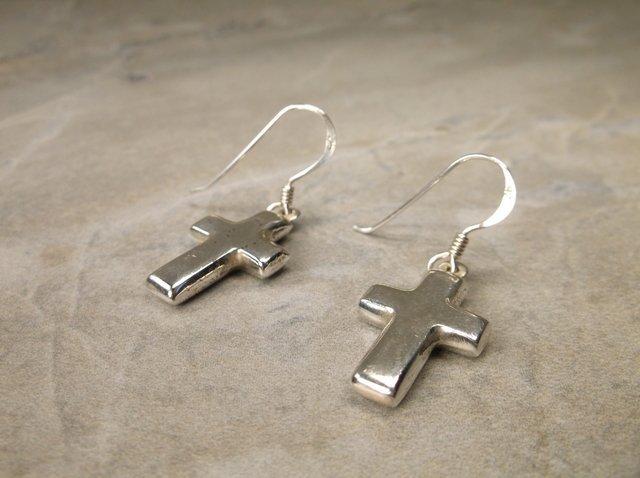 Gorgeous Sterling Silver Cross Earrings