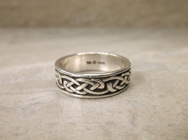 Gorgeous Sterling Silver Mens Band Ring 10