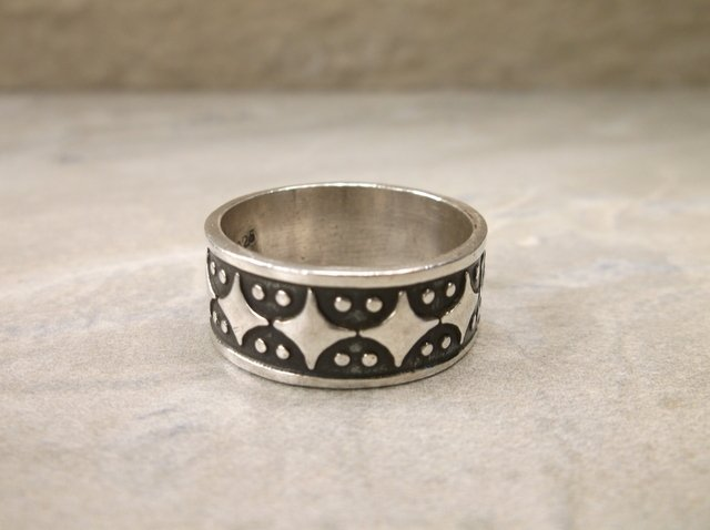 Gorgeous Heavy Sterling Silver Band Ring 9