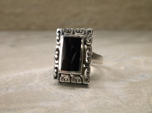 Gorgeous Sterling Silver Onyx Ring 6