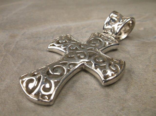 Gorg Very Heavy Sterling Silver Cross Pendant