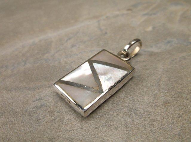 Stunning Sterling Silver MOP Pendant