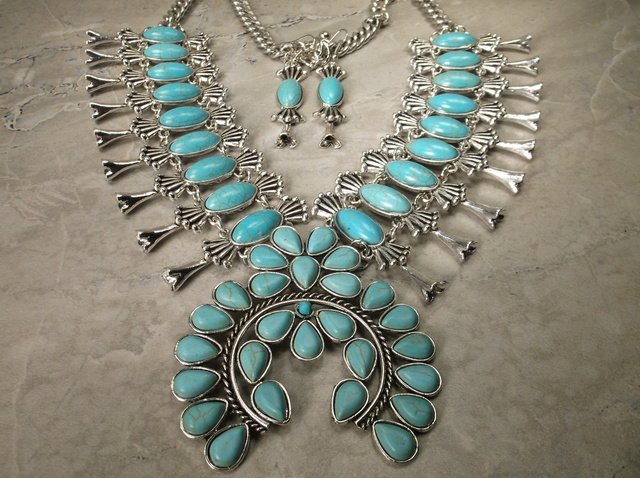 "Stunning Huge Southwestern Necklace Earrings Set 24"""