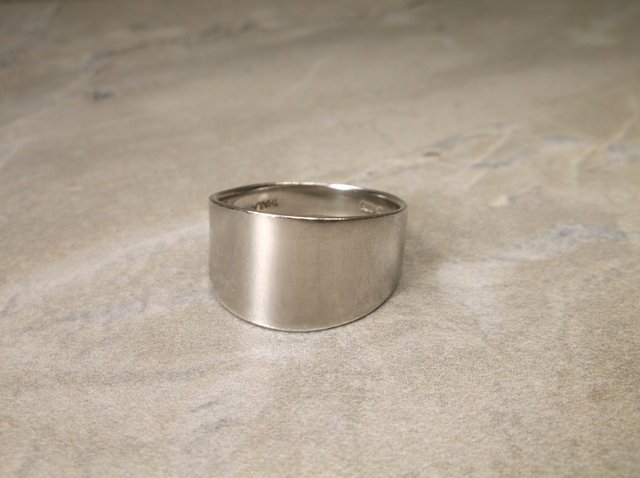 Gorgeous Heavy Sterling Silver Mens Ring 9