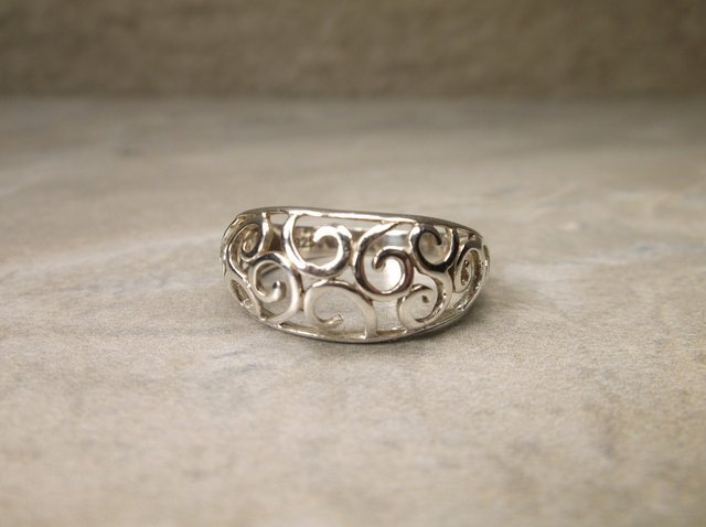 Gorgeous Sterling Silver Design Ring 8