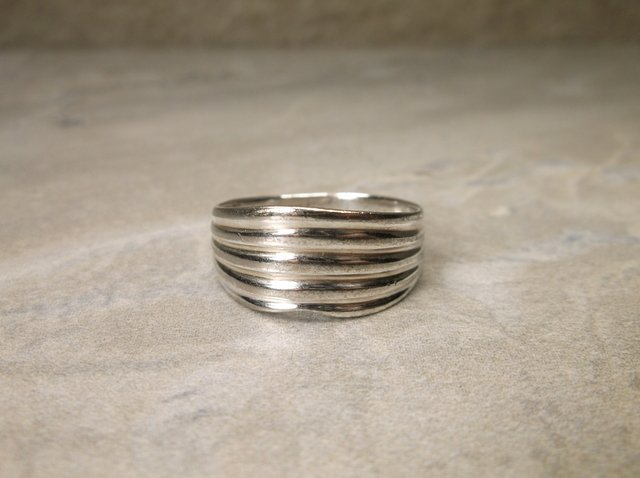 Sterling Silver 5 Line Ring 9