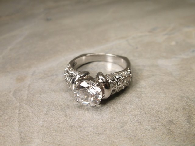 Gorgeous Heavy Sterling Silver Engagement Ring 8