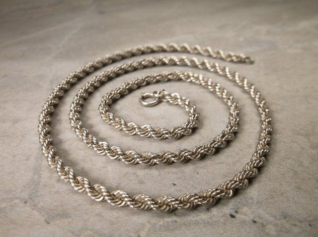 Gorgeous Heavy Sterling Silver Chain Necklace 18""