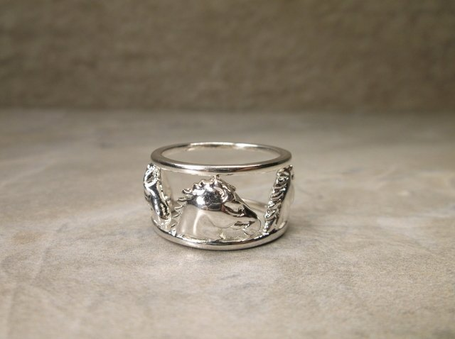 Gorgeous Sterling Silver 3 Horse Ring 6