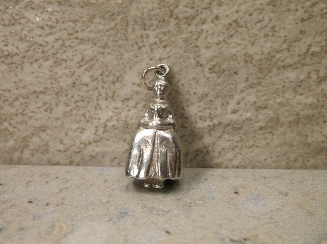 Gorgeous Antique Wells Sterling Lady Charm