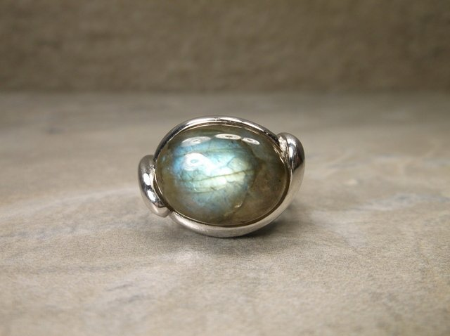 Gorgeous Sterling Silver Labradorite Ring 6