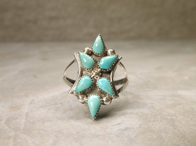 Gorgeous Navajo Sterling Turquoise Ring 8.5